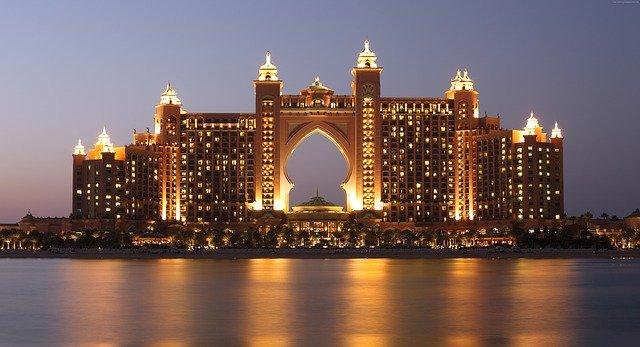 Come aprire una società a Dubai: i passi da compiere
