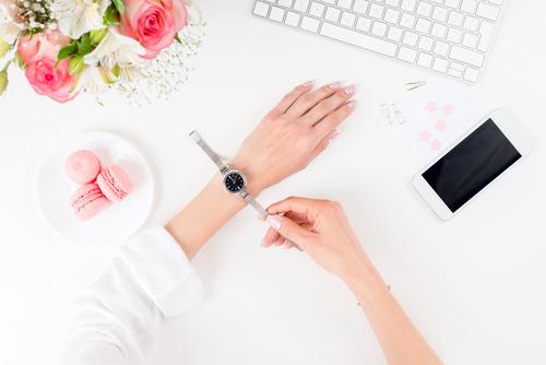 Il fascino delle donne: il modo giusto per indossare un orologio